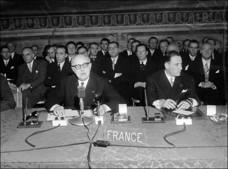 Romos sutarties pasirašymas 1957 m.