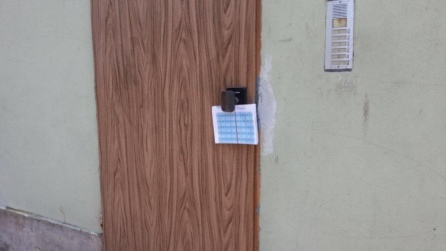 Paštas ant durų