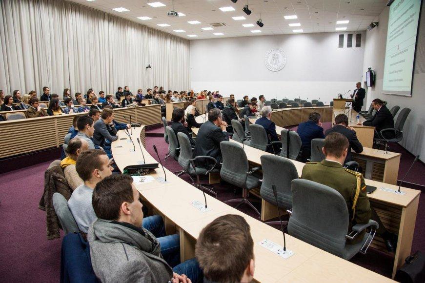 Juozas Olekas paskaitoje studentams