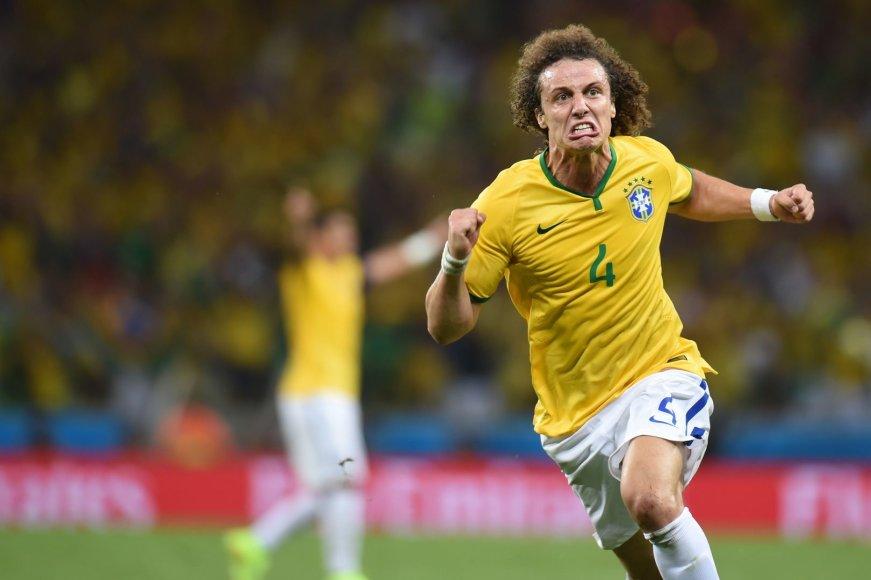 Davidas Luizas džiaugiasi įvarčiu