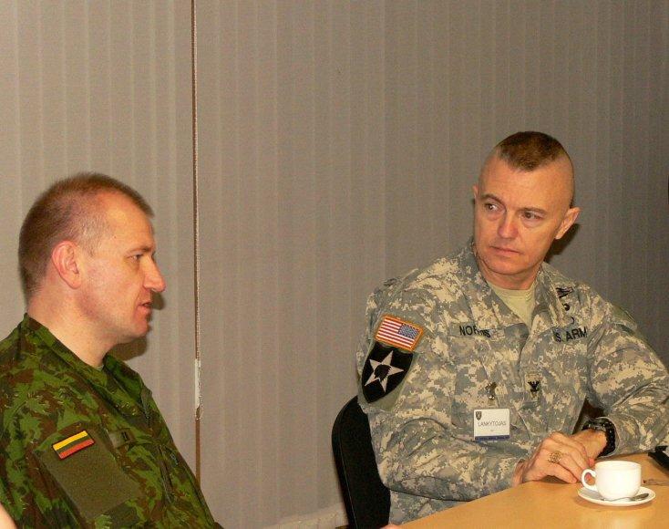Susitikimas su JAV kariuomenės Sausumos pajėgų Europoje operacijų grupės vadu pulkininku Johnu Norrisu