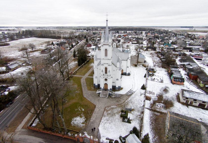 Lukšių bažnyčia