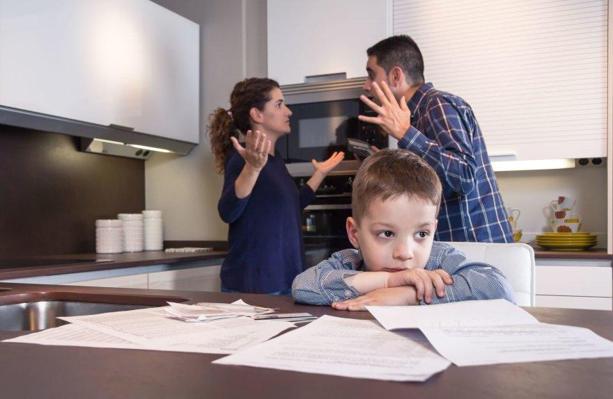 123rf.com nuotr./Vaikas ir tėvai