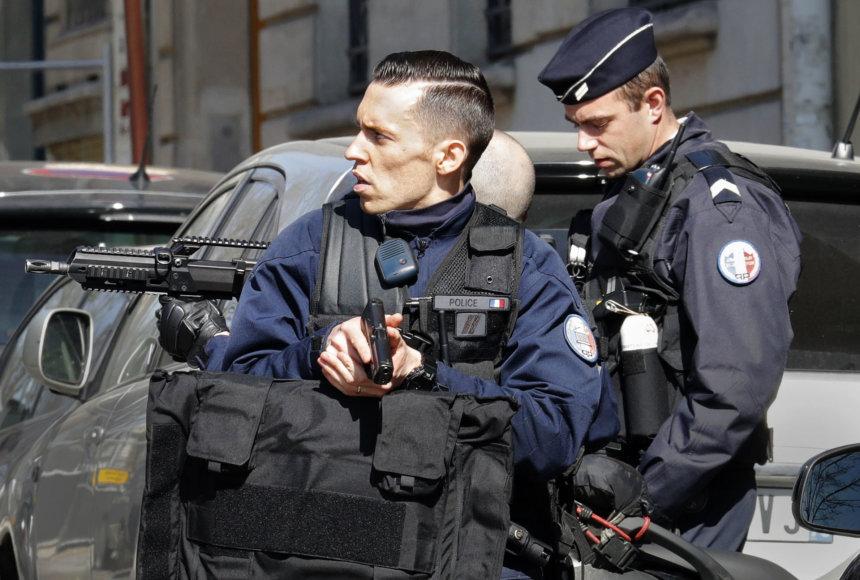 Saugumo operacija šalia TVF biuro
