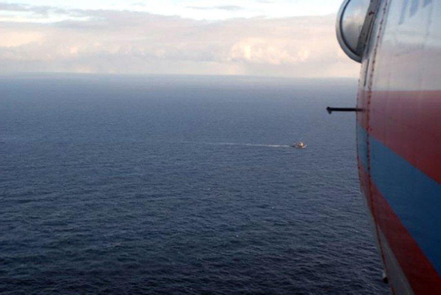 Rusijos sraigtasparnis virš jūros