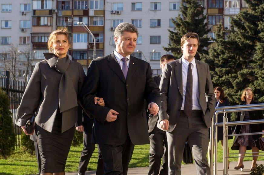 Petro Porošenka su žmona ir sūnumi Aleksejumi