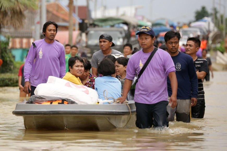 Tailande potvyniai atkirto pietinį šalies regioną.