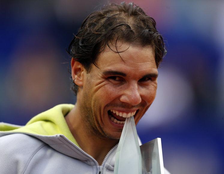 Rafaelis Nadalis iškovojo pirmą sezono trofėjų