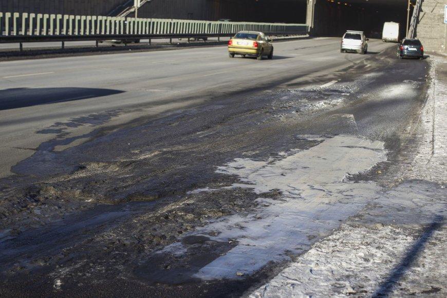 Ledo kalneliai Geležinio Vilko gatvėje