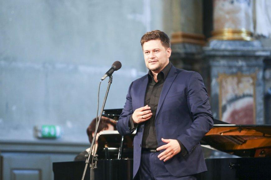 Merūno Vitulskio koncertas Galiu Papasakot...