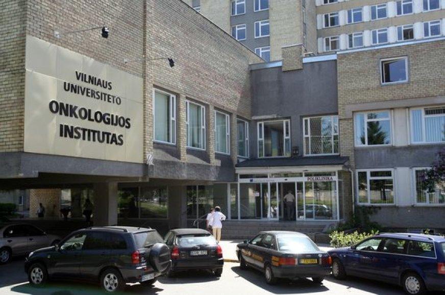 Ligonių kasoms nebeskiriant pinigų VU Onkologijos institutas priverstas taupyti nemokamų profilaktinių patikrų ir ligoniams skiriamų reabilitacijų sąskaita.