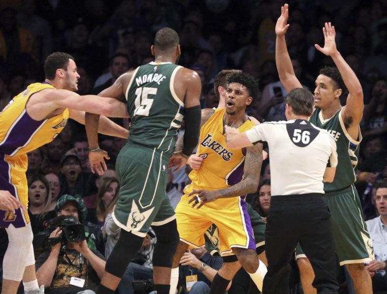 """Masinis susistumdymas """"Bucks"""" – """"Lakers"""" rungtynėse"""