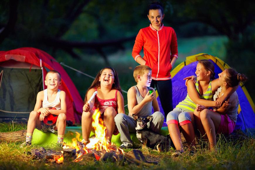 Vaikai stovyklauja
