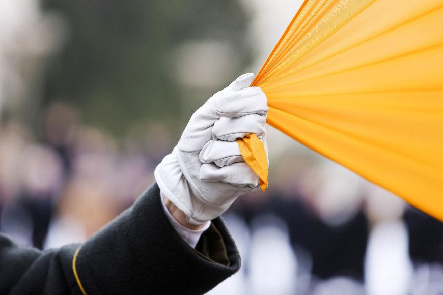 Nepriklausomybės aikštėje Vilniuje iškelta Valstybės vėliava