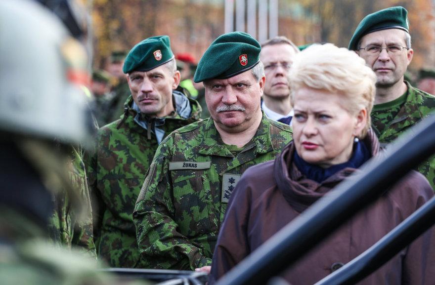 Prezidentė Dalia Grybauskaitė susipažino su Greitojo reagavimo pajėgų kariais.