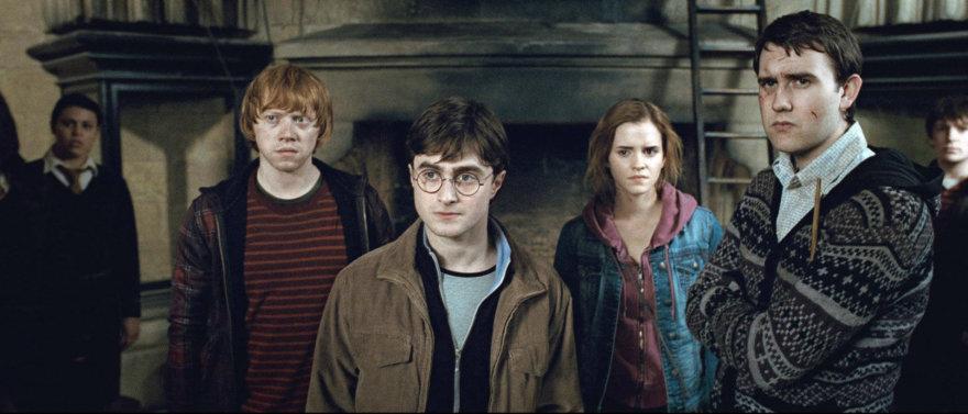 "Vida Press nuotr./Rupertas Grintas, Emma Watson, Danielis Radcliffe'as ir Matthew Lewisas filme ""Haris Poteris ir Mirties relikvijos. 2 dalis"" (2011 m.)"