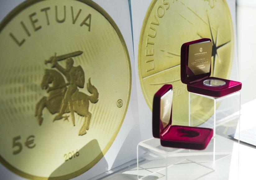 5 eurų kolekcinės monetos pristatymas