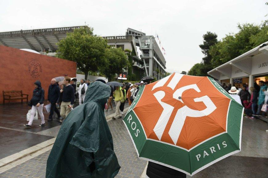 Roland Garros varžybas sustabdė lietus