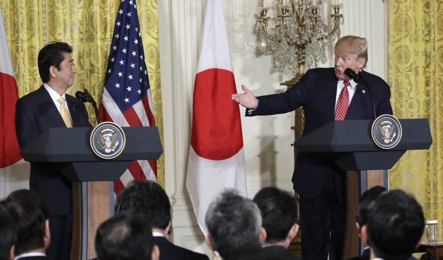 Shinzo Abe ir Donaldas Trumpas