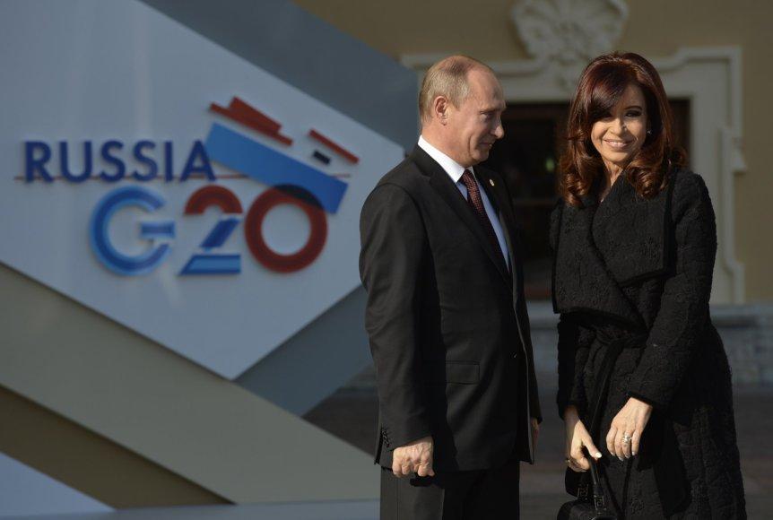 Rusijos prezidentas Vladimiras Putinas ir Argentinos vadovė Cristina Kirchner.