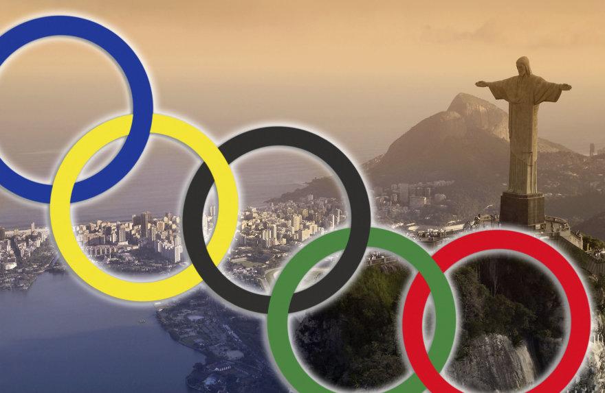 Olimpiniai žiedai Rio de Žaneiro panoramos fone
