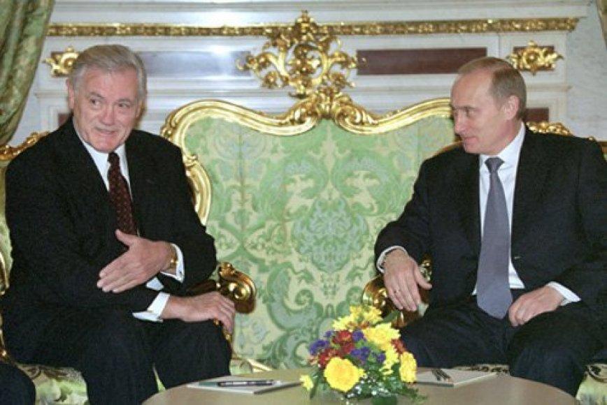 Valdas Adamkus Kremliuje 2001 m. susitiko su Vladimiru Putinu