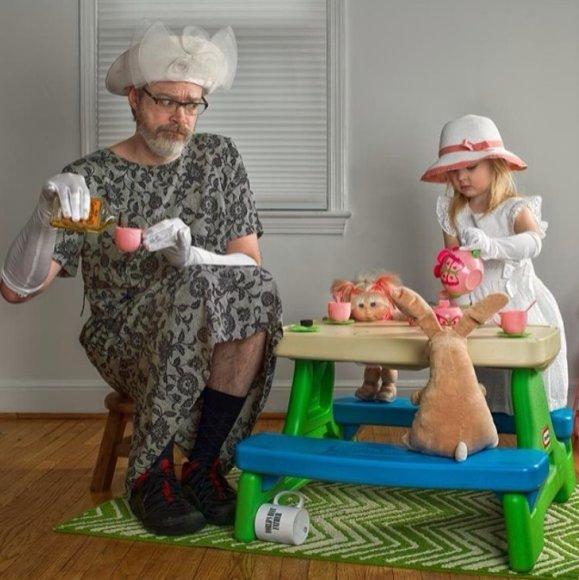 Dave'as Engledow su dukra Alice Bee