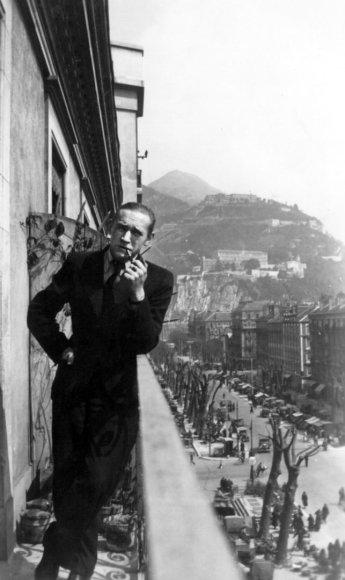 A. J. Greimas Grenoblyje. 1937 m.