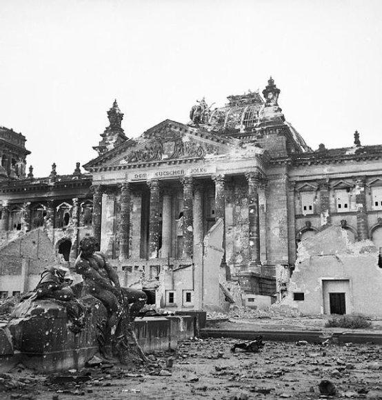 Reichstagas 1945 m.