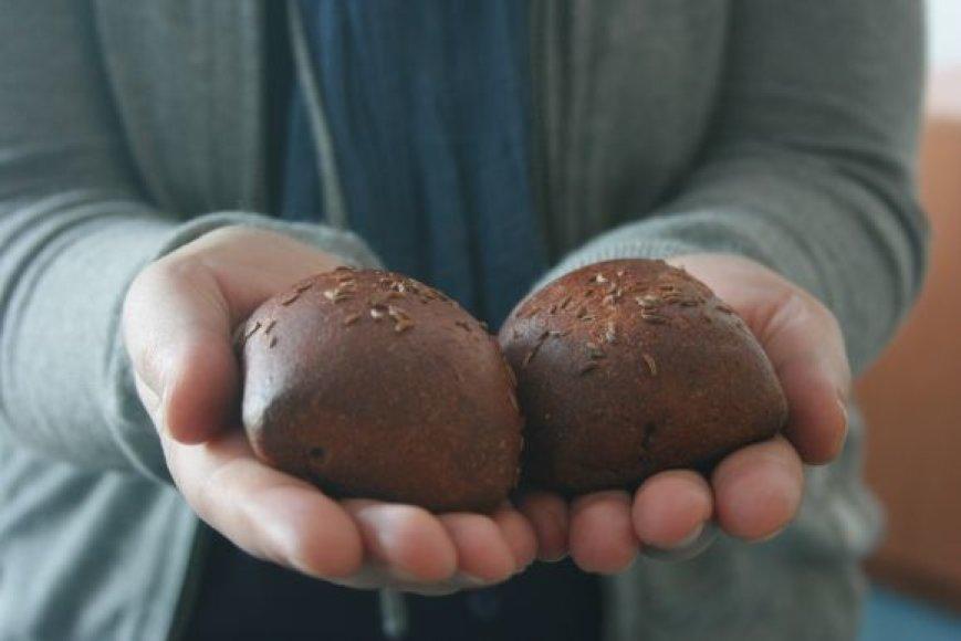 Tikima, kad šventinta duona gali apsaugoti nuo nelaimių.