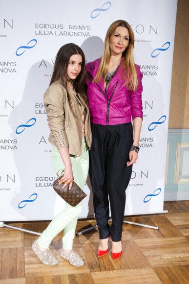 Daina Bosas su dukra