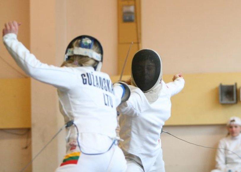 Karolina Gužauskaitė, Ieva ir Emilija Serapinaitės – estafetėje iškovojo sidabrą