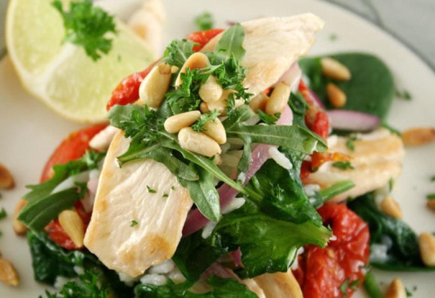 Daržovių salotos su vištiena