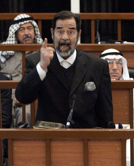 Saddamas Husseinas teismo posėdyje (2006 m. rugsėjo 11d.)
