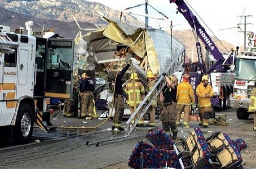 Autobuso avariją Kalifornijoje
