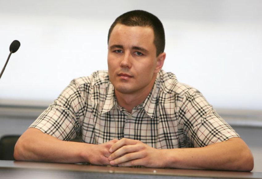 Teismas vėl negalėjo atsakyti į klausimą, ar V.Dargis kaltas dėl jį puolusio jaunuolio žūties.