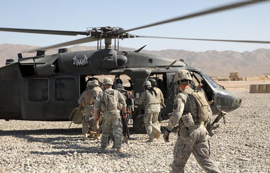 Amerikiečių kariai išvyksta į operaciją