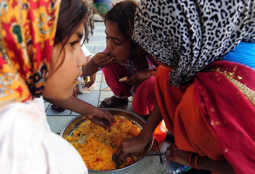 Visame pasaulyje brangstantis maistas į skurdą pastūmėjo dar daugiau milijonų žmonių.