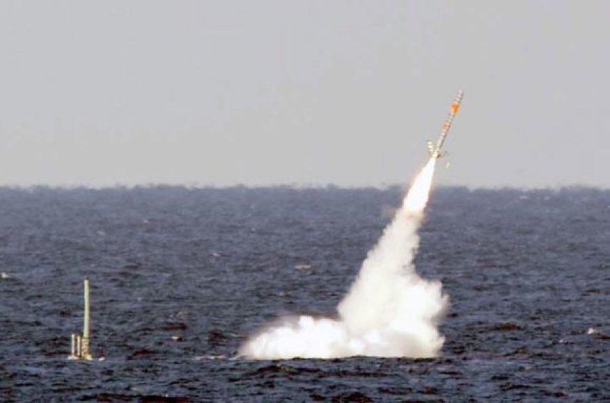 """Povandeniniai laivai į Libiją paleido 110 raketų """"Tomahawk"""""""