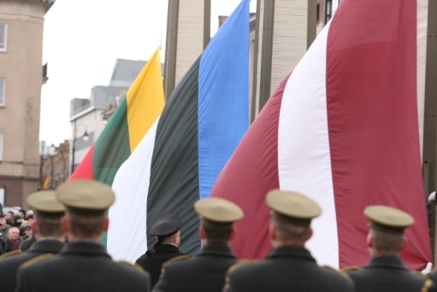 Baltijos šalių vėliavų pakėlimo ceremonija prie Seimo rūmų
