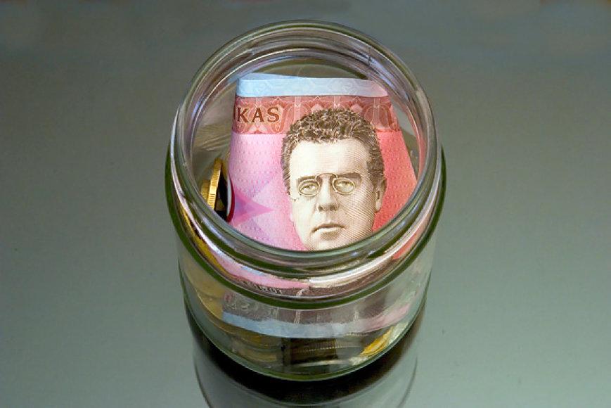 Pinigai stiklainyje