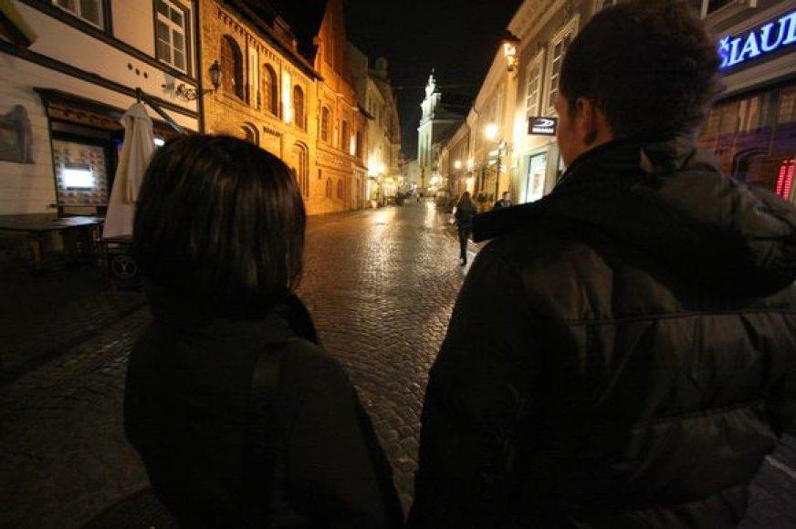 Vilniečiai, norintys įvairesnių naktinių pramogų, turi ilgas valandas slampinėti miesto gatvėmis, ieškodami užsiėmimo.