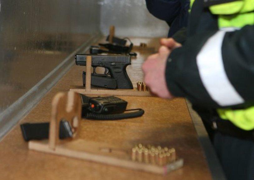 Vilniaus policijos patruliai ruošiasi Naujųjų Metų sutiktuvėms