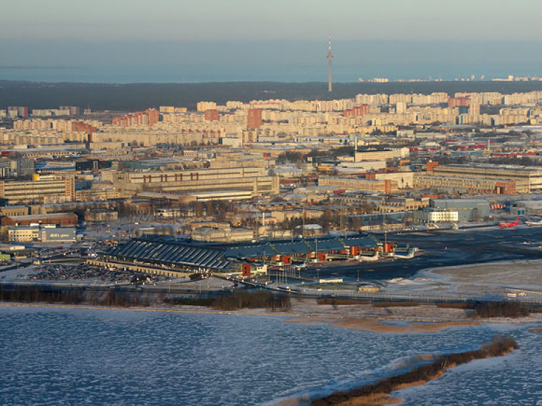 Talino oro uostas įsikūręs prie pat ežero Ulemiste