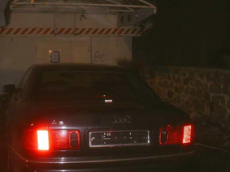 """""""Audi A8"""" aptiktas be valstybinių numerių"""
