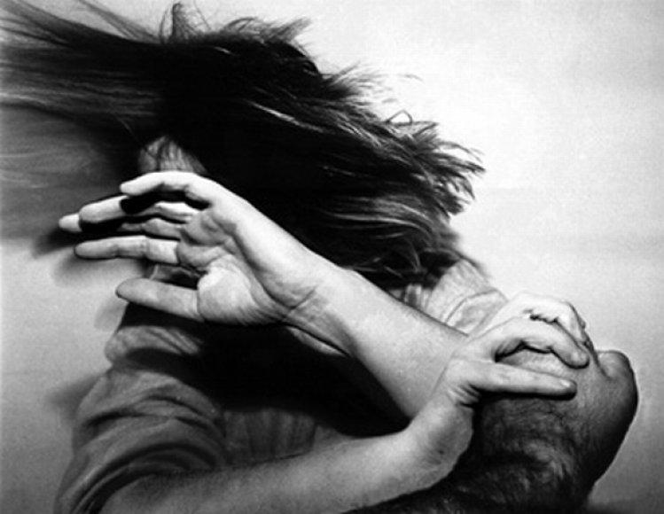 Smurtas šeimoje