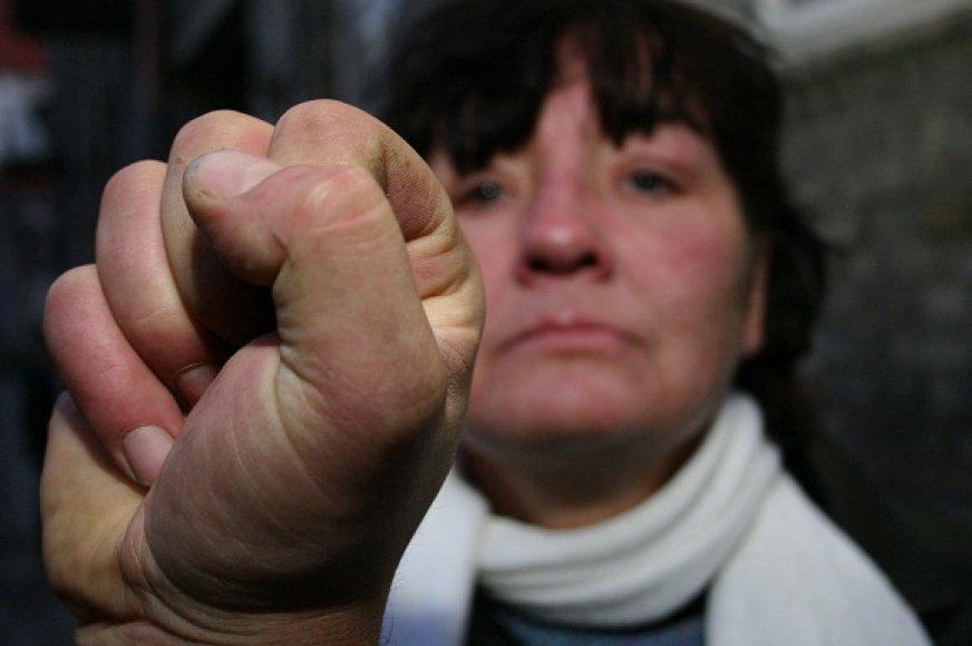Vos įsigaliojus įstatymui pranešimai apie smurtą šeimose pasipylė kaip iš gausybės rago.