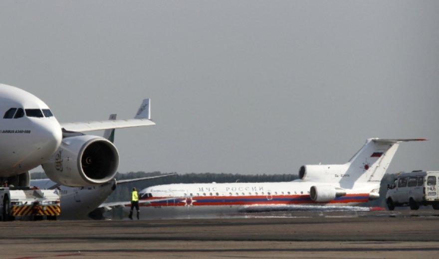 Rusijos nepaprastųjų situacijų ministerijos lėktuvas su šnipinėjimu įtariamais Rusijos piliečiais nusileido Domodedovo oro uoste.
