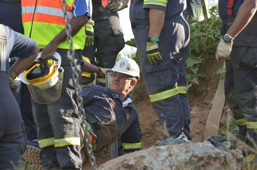 Gelbėjimo darbai nelegalioje Pietų Afrikos Respublikos aukso kasykloje