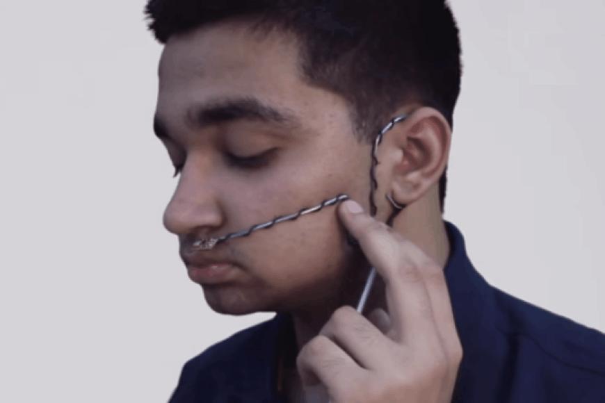 Arshas Shahas Dilbagis su savo sukurtu unikaliu prietaisu